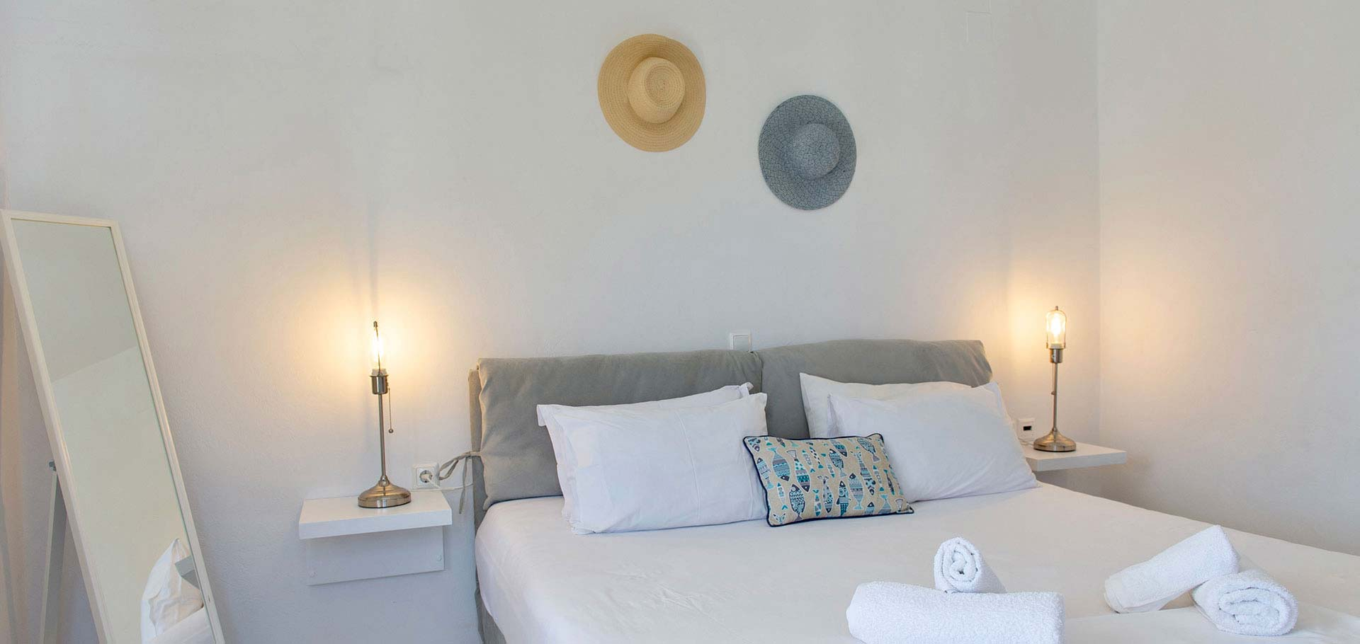 Rooms in Sifnos near the sea